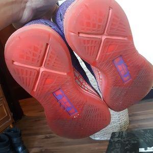 """Nike Shoes - Lebron 10 """"Area 72"""""""